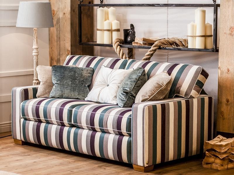Как состыковать рисунок в ткани дивана. Мебельные ткани.