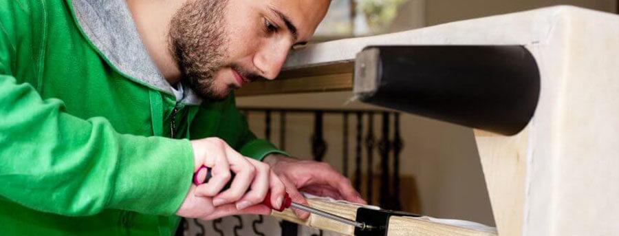 Реставрация мягкой мебели. Разбираем диван. Список инструментов. Пошаговая инструкция.